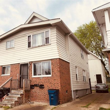 Rent this 10 bed duplex on 16421 Braddock Avenue in Cleveland, OH 44110