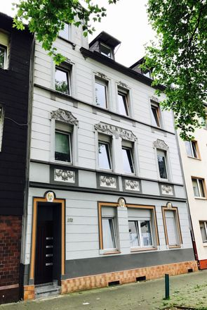 Rent this 3 bed apartment on Beecker Straße 272 in 47166 Duisburg, Germany