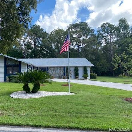Rent this 3 bed house on Douglas St in Homosassa, FL