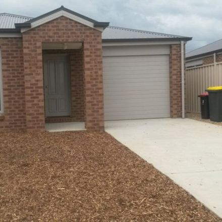 Rent this 3 bed house on 8 Cezanne Drive