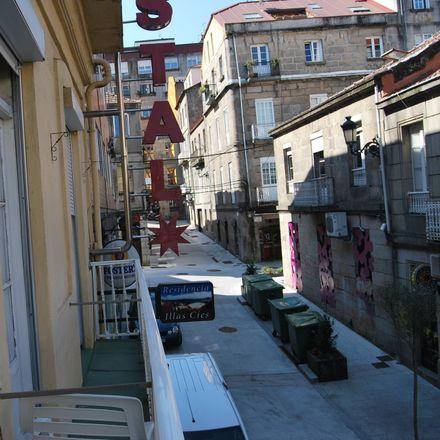 Rent this 1 bed room on Rúa Martín Códax in 7, 36201 Vigo