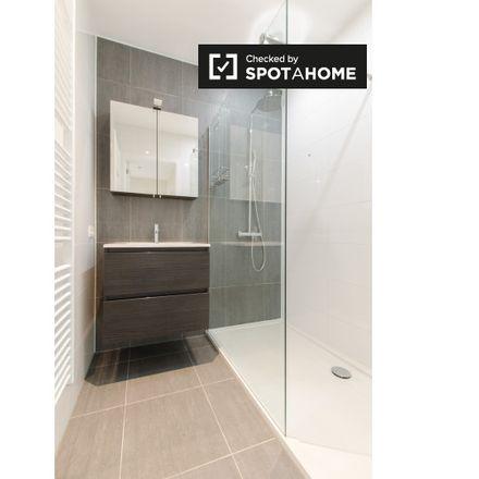 Rent this 1 bed apartment on Rue du Prince Royal - Koninklijke-Prinsstraat 17 in 1000 Ixelles - Elsene, Belgium