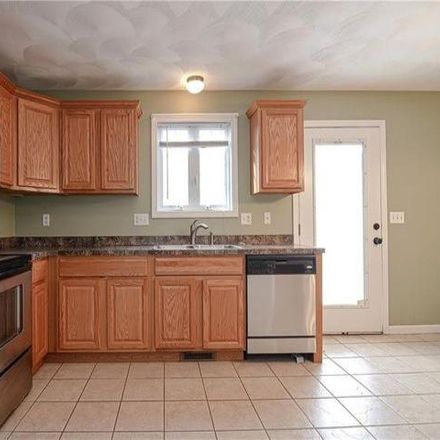 Rent this 2 bed condo on 266 Meadow Street in Pawtucket, RI 02860