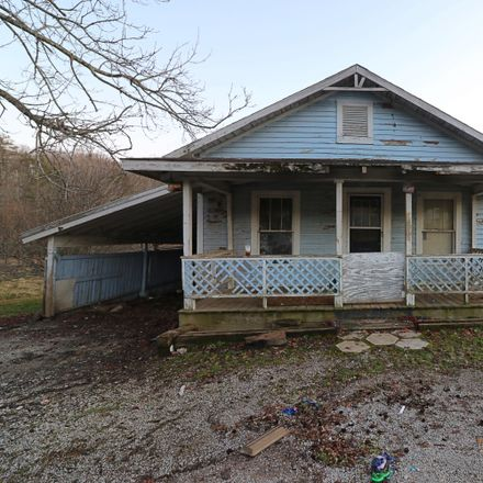 Rent this 2 bed house on 820 Dexter Laxton Rd in Oneida, TN