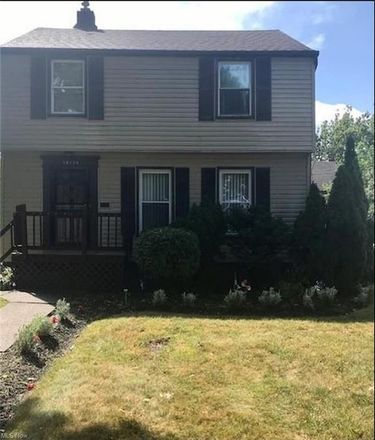 Rent this 3 bed house on 16114 Delrey Avenue in Cleveland, OH 44128