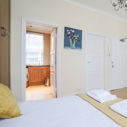 Rent this 0 bed apartment on Elmer House in Broadley Street, London NW8