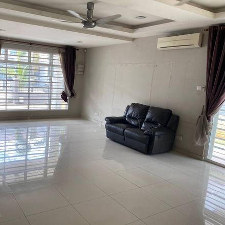 Rent this 5 bed apartment on Kolej MARA Banting in Jalan Utama Labohan Dagang, Bukit Changgang