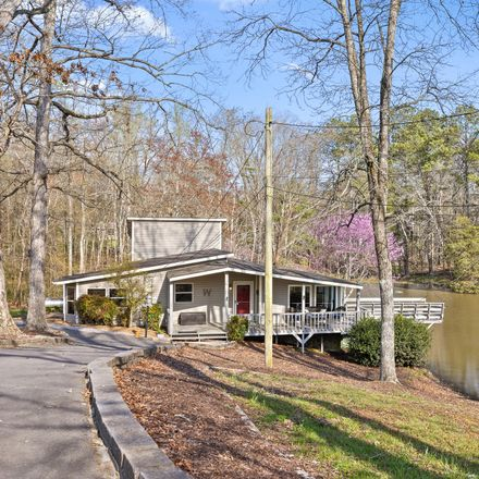 Rent this 3 bed house on Greenlake Rd in Rocky Face, GA