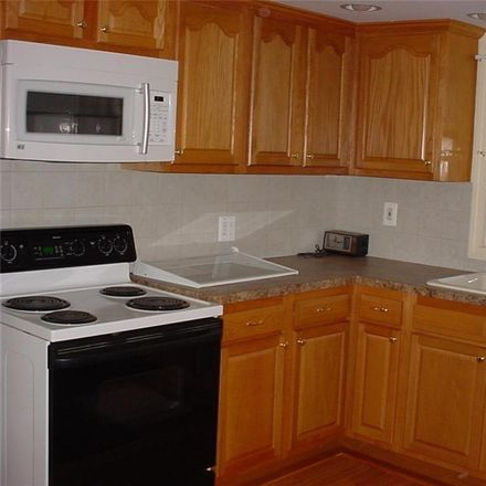 Rent this 2 bed townhouse on Watertown Ave in Oakville, CT