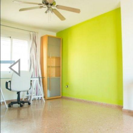 Rent this 3 bed room on Calle María Dolores Boera in 12006 Castellón de la Plana, Castellón