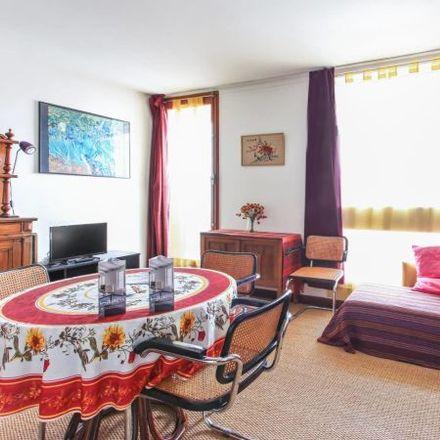 Rent this 2 bed apartment on 92 Avenue de la République in 94300 Vincennes, France