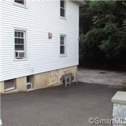 Rent this 2 bed townhouse on 222 Davis Avenue in Greenwich, CT 06830