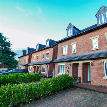 Rent this 4 bed house on Besford Gardens in Shrewsbury SY3 7BH, United Kingdom