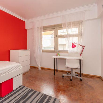 Rent this 4 bed room on 2660-208 Póvoa de Santo Adrião e Olival Basto