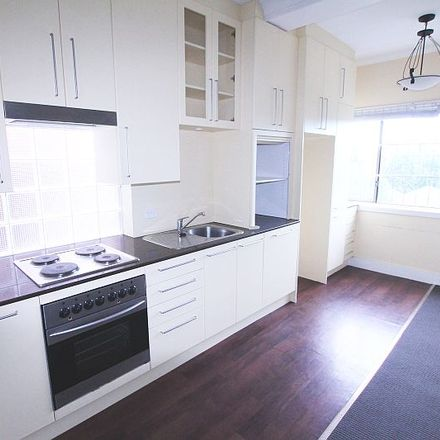 Rent this 2 bed apartment on 2/211 Edgecliff Road