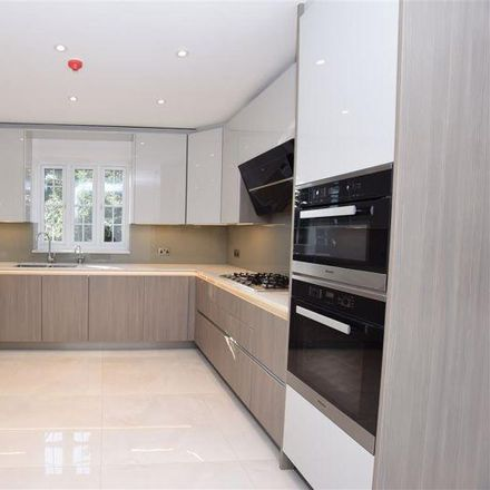 Rent this 5 bed house on Watford Way in London NW7 4RU, United Kingdom