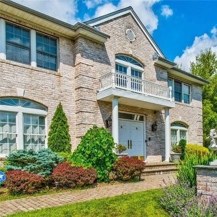 Rent this 5 bed house on 5 Keri Way in Woodbury, NY 11797