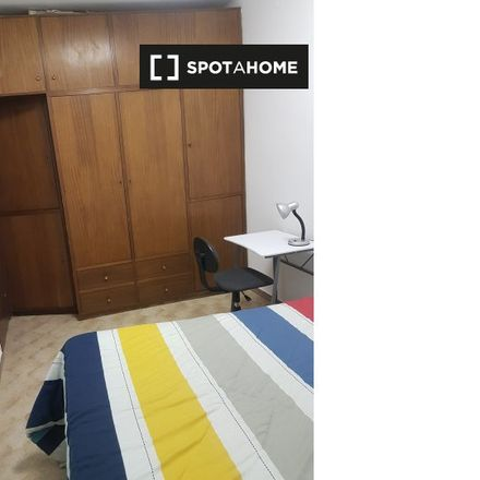 Rent this 3 bed room on Carrer del Doctor Balari in 08204 Sabadell, Spain