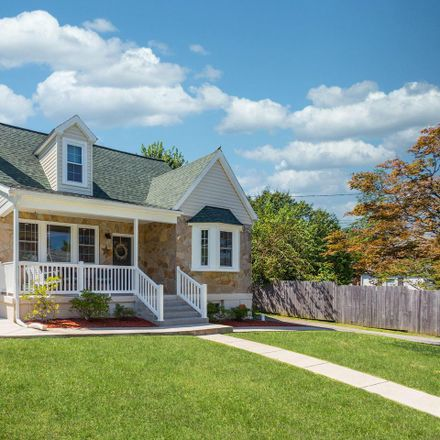 Rent this 4 bed house on 620 Woodhurst Way in Catonsville, MD