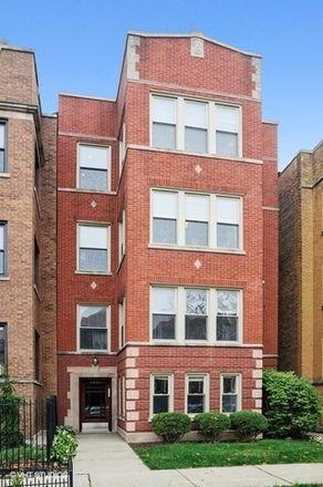 Rent this 3 bed condo on 4845 North Washtenaw Avenue in Chicago, IL 60625
