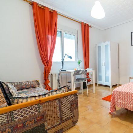 Rent this 4 bed room on Carrer de la Ciutat de Mula in 19, 46021 Valencia