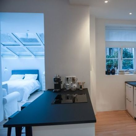 Rent this 1 bed apartment on Alteburger Straße 39 in 50678 Cologne, Germany