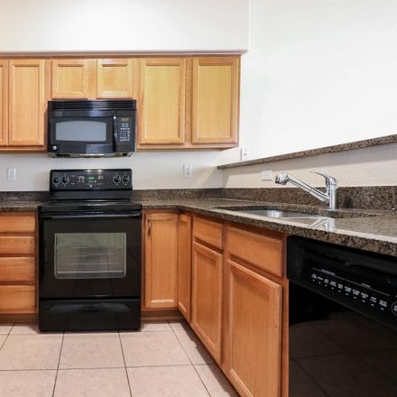 Rent this 3 bed condo on 1252 East Weimer Circle in Tucson, AZ 85719