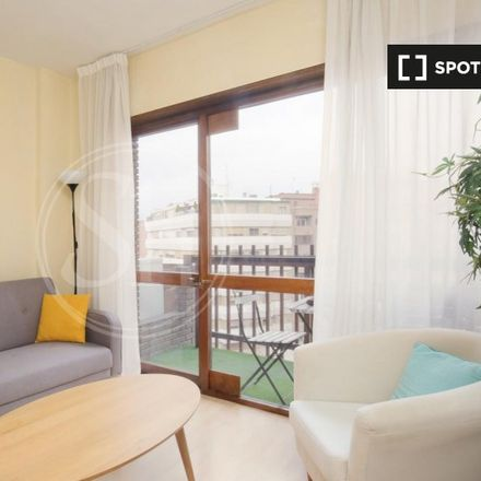 Rent this 1 bed apartment on Ivi Nails & Beauty in Calle del Poeta Joan Maragall, 28001 Madrid