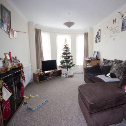Rent this 2 bed apartment on Spencer House in 42 West Hill Road, Ryde PO33 1LQ