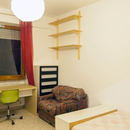 Rent this 3 bed room on Shampoo in Via Giovanni Volpato, 00151 Rome RM