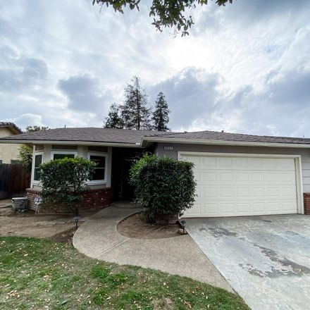 Rent this 3 bed house on 3537 West Dayton Avenue in Fresno, CA 93722