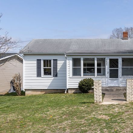 Rent this 3 bed house on W Spring Ave in Elkton, VA