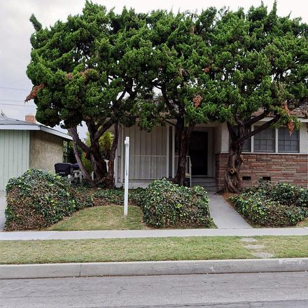 Rent this 3 bed house on 2356 Knoxville Avenue in Long Beach, CA 90815