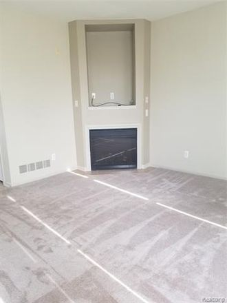 Rent this 2 bed condo on Second Ave S in Southgate, MI