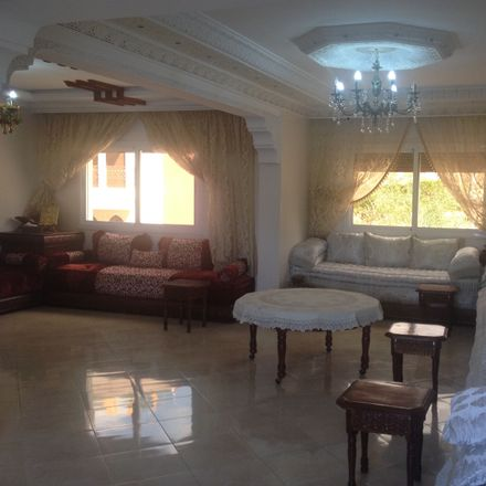 Rent this 4 bed apartment on 90024 Tangier