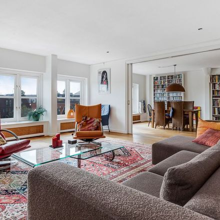 Rent this 3 bed apartment on Oudeschans 62A in 1011 LD Amsterdam, Netherlands