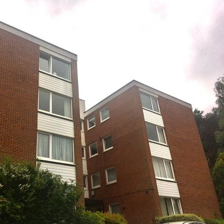 Rent this 2 bed apartment on Sunninghill SL5 7DF