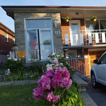 Rent this 4 bed house on 7 Blossom Crescent in Toronto, ON M3N 1W7