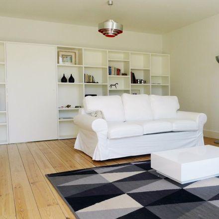 Rent this 3 bed apartment on Palácio do Grémio Lusitano in Rua do Grémio Lusitano 25, 1200-211 Misericórdia