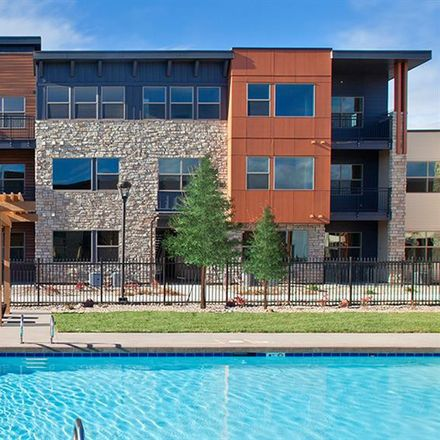 Rent this 2 bed apartment on Parker
