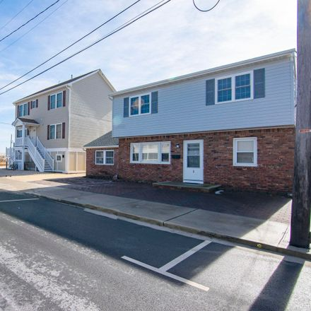 Rent this 2 bed duplex on 3 6th Avenue in Toms River, NJ 08751