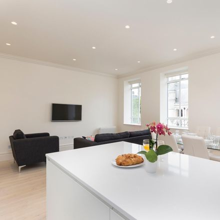 Rent this 3 bed apartment on 12 Devereux Court in London WC2, United Kingdom