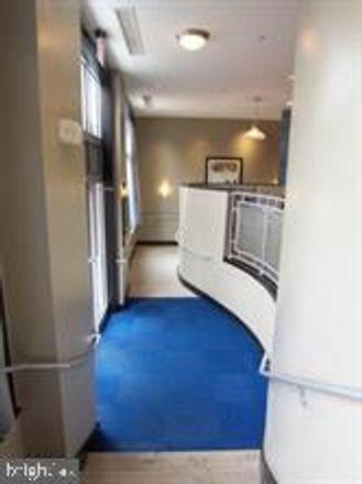 Rent this 1 bed condo on Wilson Boulevard in Arlington, VA 22209