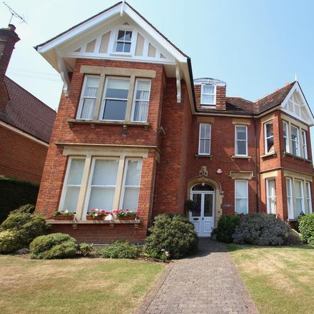 Rent this 3 bed apartment on Kirkwick Avenue in St Albans AL5 2QN, United Kingdom