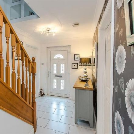Rent this 5 bed house on Hawthorn Drive in Thrapston, NN14 4JY