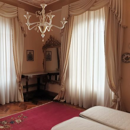 Rent this 7 bed room on Viale Don Giovanni Minzoni in 53100 Siena SI, Italy