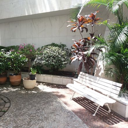 Rent this 1 bed room on R. Alexandre de Gusmão in 28 - Tijuca, Rio de Janeiro - RJ