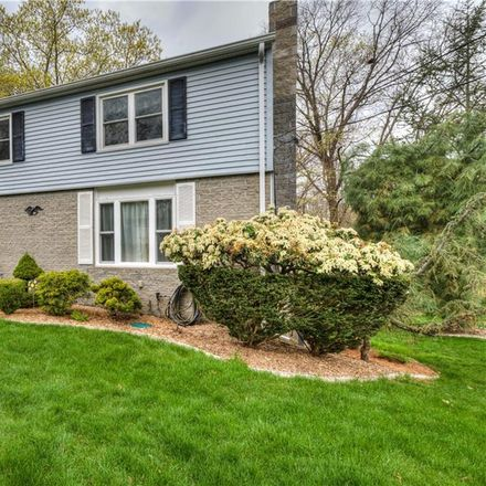 Rent this 3 bed house on 140 Iroquois Road in Cumberland, RI 02864