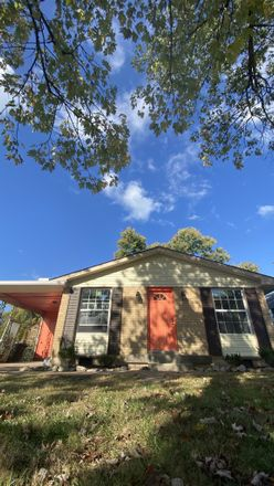 Rent this 3 bed house on 533 Savely Drive in Hendersonville, TN 37075