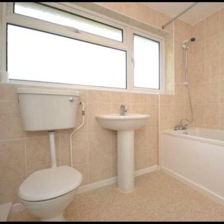 Rent this 3 bed house on Parkland Drive in Luton LU1 3SU, United Kingdom